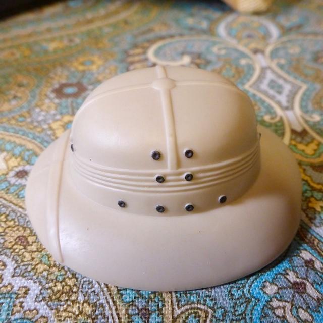 Pith Helmet wanted. Ph3