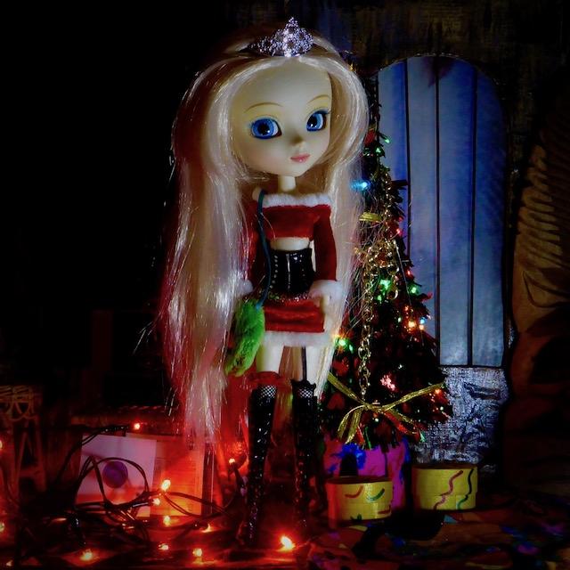 [Image: holiday_lala.jpg]