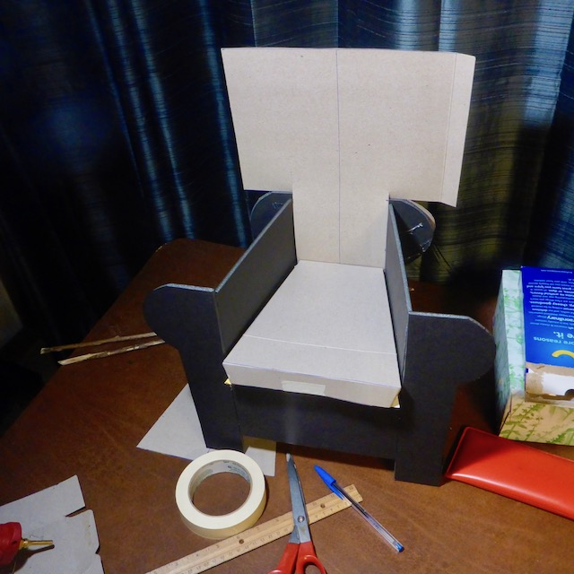 [Image: wingchair6.jpg]